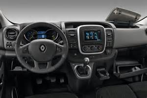 Renault Trafic Interior Light Renault Trafic Review Pictures Auto Express