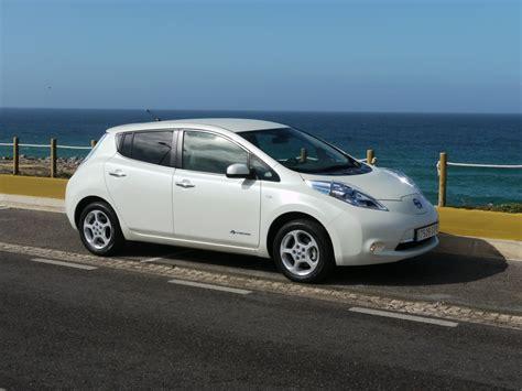 nissan leaf 2011 nissan leaf greencarreports best car to buy 2011