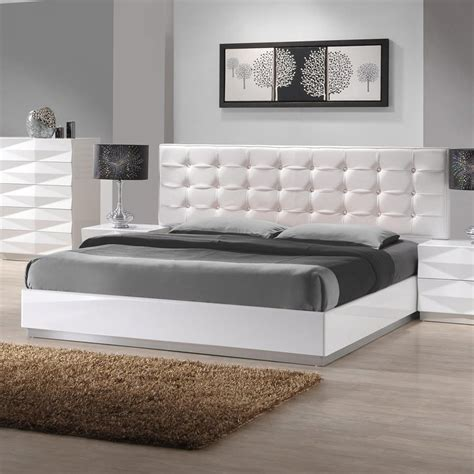White King Platform Bed Shop J M Furniture Verona White King Platform Bed At Lowes