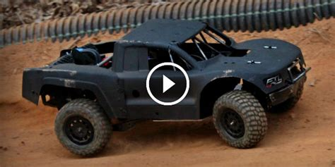 realistic project zeus rc trophy truck driving