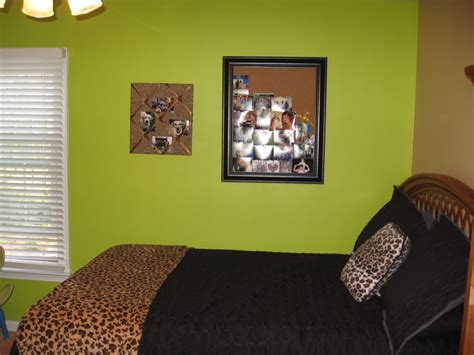 lime green accent wall 81 best ideas about lime green accents on pinterest