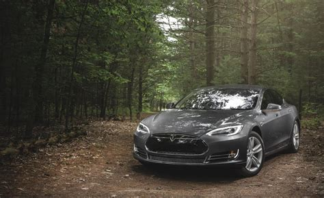 Tesla Model S 60 Review Car And Driver