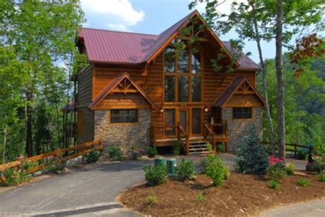 vrbo gatlinburg 5 bedroom luxury meets the mountains 4 full suite vrbo