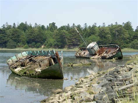 mallows bay boat graveyard file boat cemetery finistere france jpg wikimedia commons