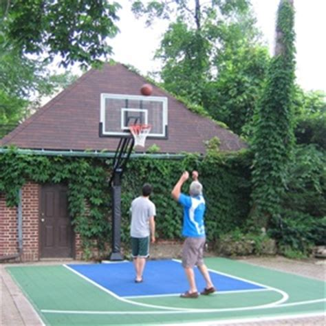 Half Court Basketball Dimensions For A Backyard by 25 Best Ideas About Backyard Basketball Court On