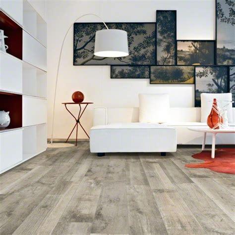 fußboden aus glas wohnzimmer und kamin moderne bodenbel 228 ge f 252 r wohnzimmer