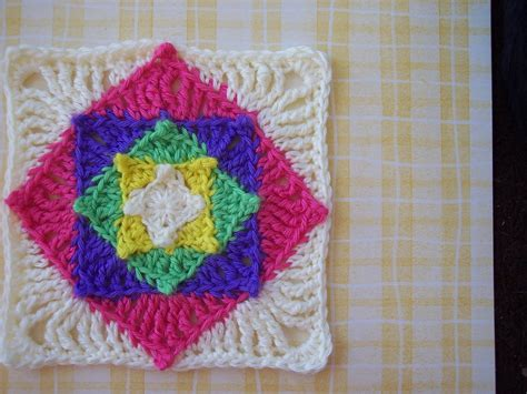crochet pattern in square optical illusion granny square crochet pattern