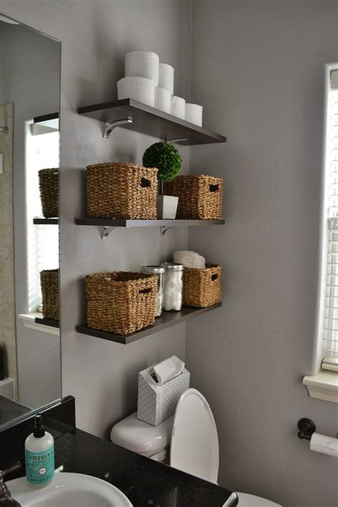 bathroom shelf decorating ideas 25 best ideas about small bathroom storage on