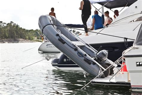 dinghy storage on boat pivoting vertical davit storage system for inflatable
