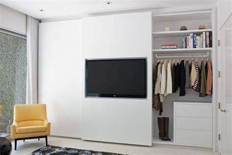 kleiderschrank fernseher closet doors design ideas