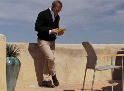Quantum Of Solace Wardrobe by 00 7 Of Bond S Casual Staples The Suits Of Bond