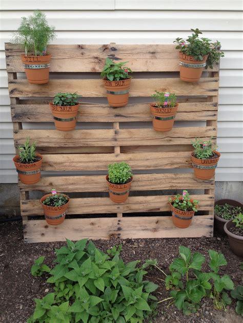 herb garden ideas pinterest pallet herb garden my dream garden pinterest