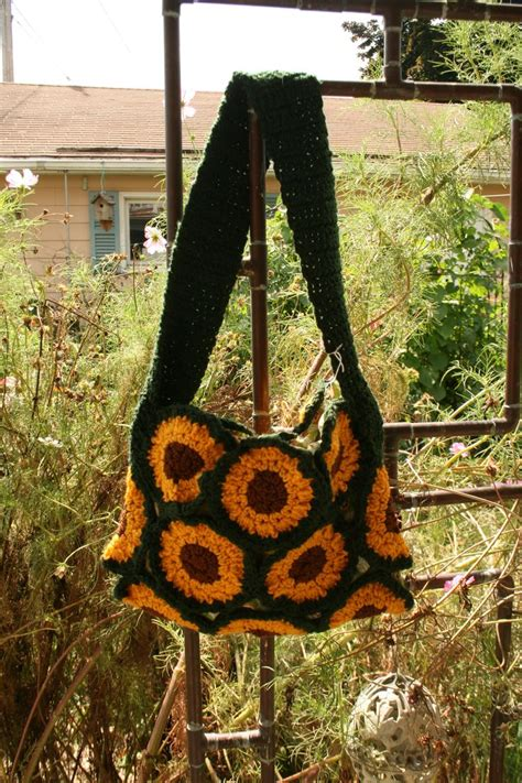 Who Wouldnt Want A Bag With A Dachshund Skeleton On It by 89 Best Crocheted Purses Images On Tote