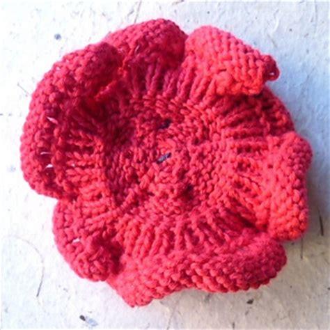 poppy knitting pattern free ravelry remembrance poppy to knit pattern by katy sparrow