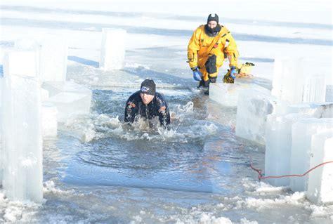 snuggie bar crawl ice rink polar plunge