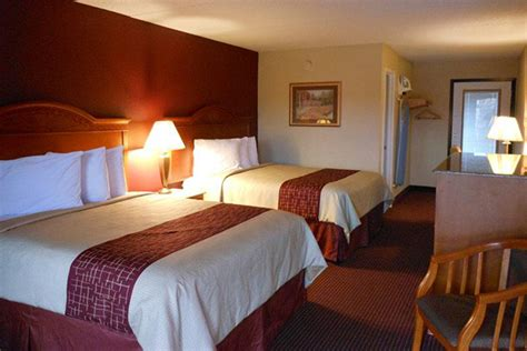 suites in pigeon forge tn with 2 bedrooms 259 pigeon forge pigeon forge inn 4 days christmas