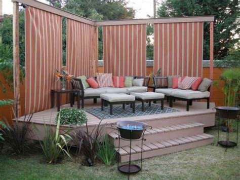 Simple And Easy Backyard Privacy Ideas Midcityeast Ideas For Small Backyard