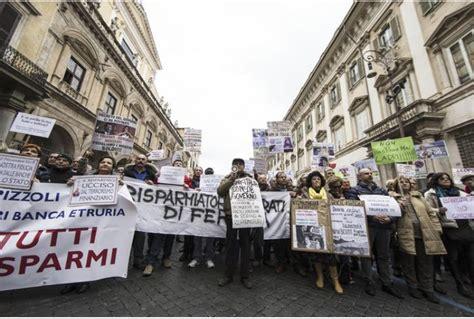 banche a roma banche manifestazione dei risparmiatori quot vittime quot a roma