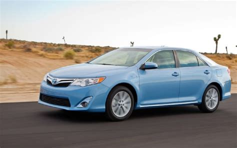 2012 toyota camry hybrid xle car reviews auto123 2012 toyota camry hybrid xle first test motor trend