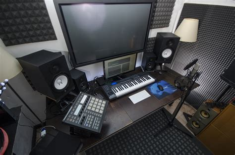 bedroom studio equipment becoming a music producer what you need to know edmprod
