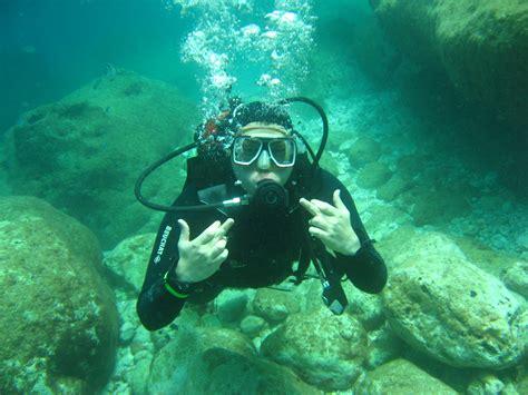 scuba diving welcome to dubai fishing trip