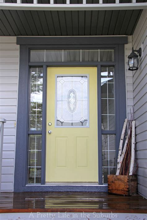 simple sunny door makeover  pretty life   suburbs