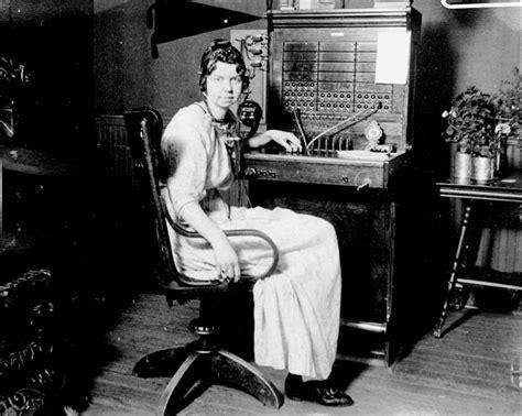 image gallery telephone operators 1930