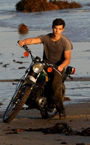 8 And Photos Of Lautner From Rolling by Exclusive Lautner Rolling