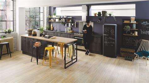 Idee Amenagement Salon 4900 by Cuisine En Kit Et Cuisine 233 Quip 233 E Mont 233 E D Usine Cuisinella