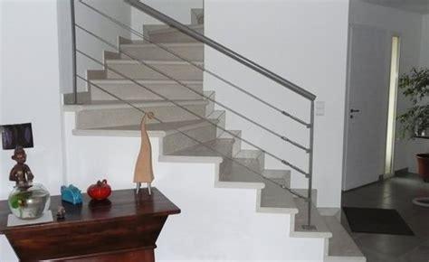 Impressionnant Habiller Les Marches D Un Escalier Interieur #4: escalier-pierre-main-3324717.jpg