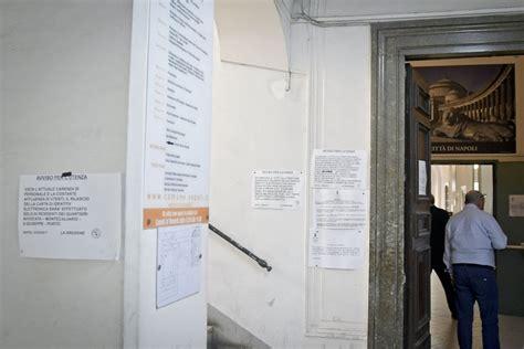 comune di napoli ufficio anagrafe napoli senza anagrafe on line quot non si fanno certificati