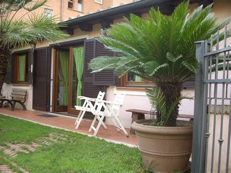 casa con giardino roma roma casa indipendente con giardino vicino al parco dell