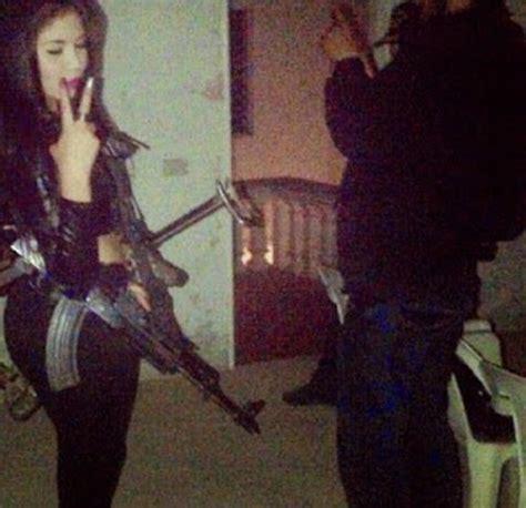 imagenes y videos de narcos fotos moda de presuntos narcos en facebook telemundo