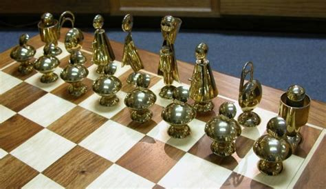 futuristic chess set cool figural futuristic chess set l o v e pinterest