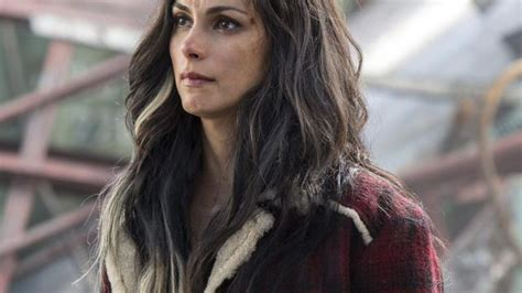actress dies in deadpool the coat plaid red vanessa morena baccarin in deadpool