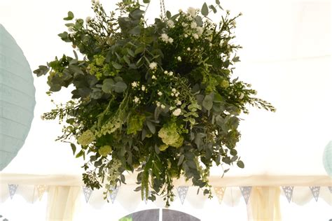Large Rustic Chandeliers Flower30 How To Decorate Your Wedding Venue With Style