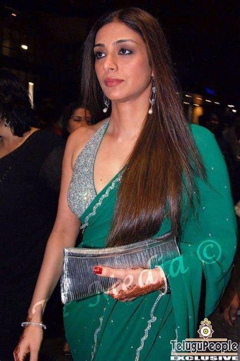 tabu hot saree stills tabu khan green saree glam still tabu pinterest