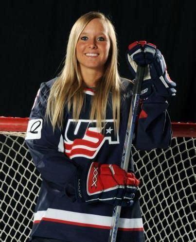 hot female ice hockey players 140 best female ice hockey players images on pinterest