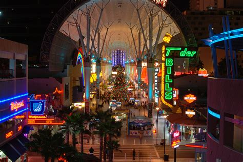 vegas attractions over christmas 5 family friendly attractions in las vegas