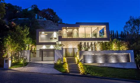 hollywood houses this new house is lighting up the hollywood hills in los angeles contemporist