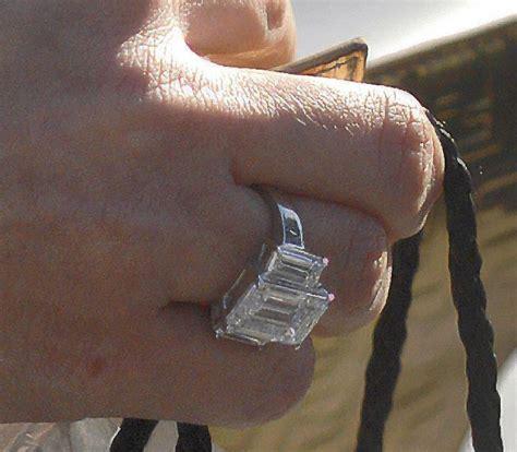 kim kardashian bought her own engagement ring photo gallery kardashian engagement ring kardashian
