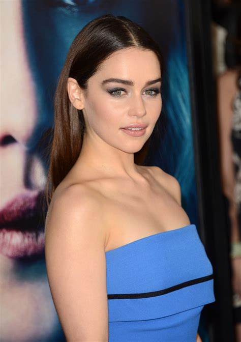 emilia clarke emilia clarke metallic eyeshadow fashion trends styles
