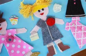 how to make felt dress up dolls