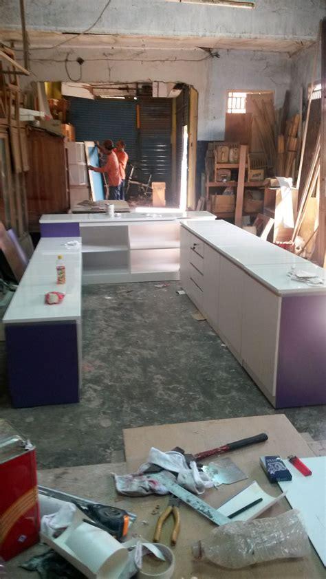 design etalase kue etalase toko etalase kayu minimalis interior furniture