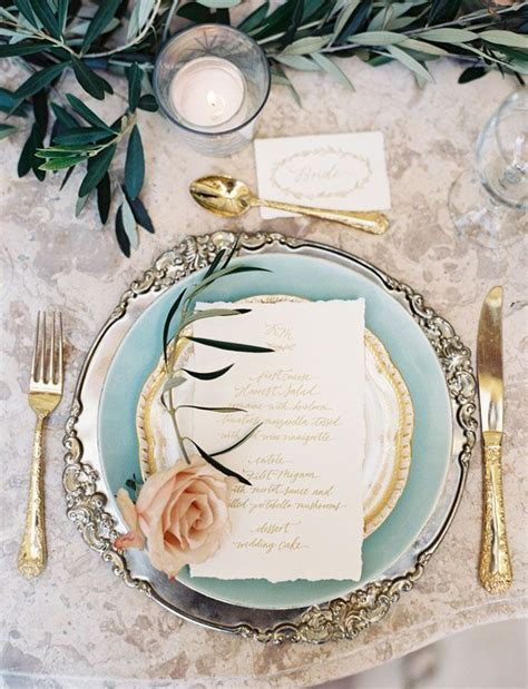 stunning round table setting 25 best ideas about place settings on pinterest table
