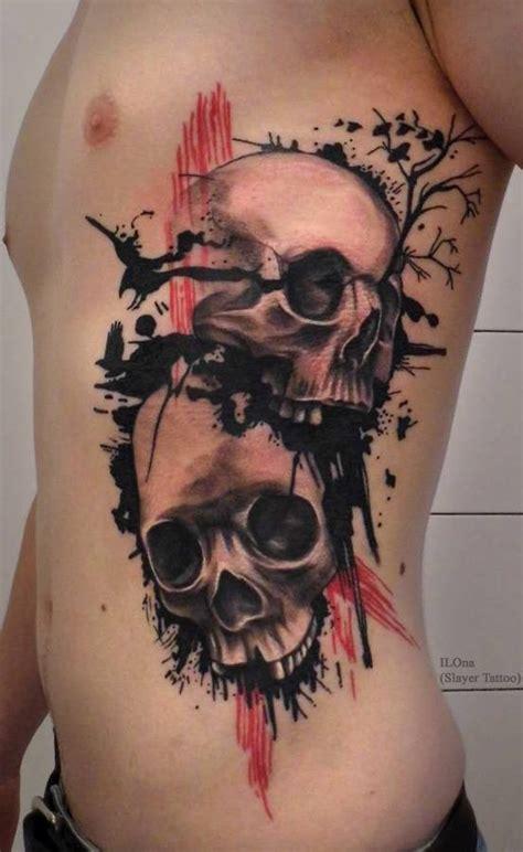 sch 246 ne schwarze totenk 246 pfe mit baum und v 246 gel tattoo an