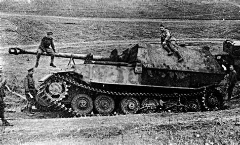 s tank destroyers images of war books world war ii in pictures the ferdinand elefant tank destroyer