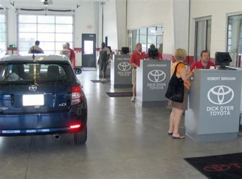 Toyota Dealers In Columbia Sc Dyer Toyota Columbia Sc 29203 Car Dealership And