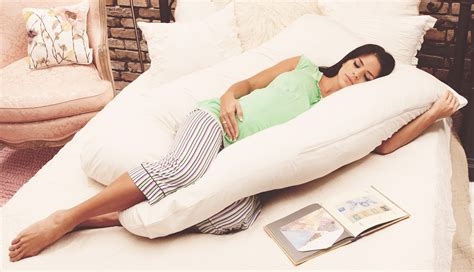 pillow comfortable sleep mom s guide 2016 best pregnancy pillow for comfy sleep