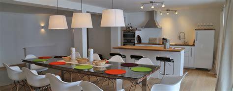 holztisch wohnzimmer wohnzimmer holztisch massiv haus design ideen